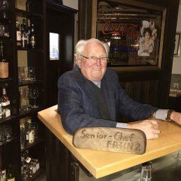 Senior Chef Franz an seinem Lieblingsplatz